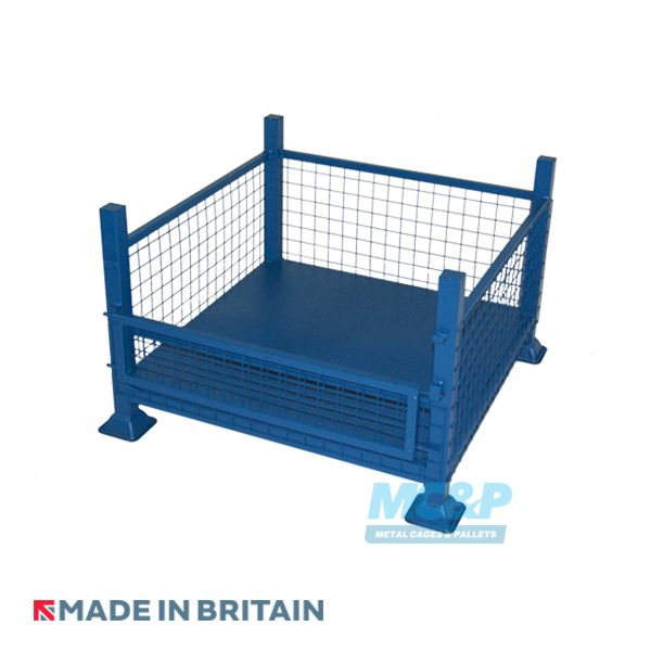 Metal cage stillage made with mesh and drop front door